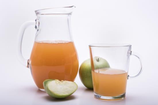 Apfelschorle mit wenig Apfelaroma