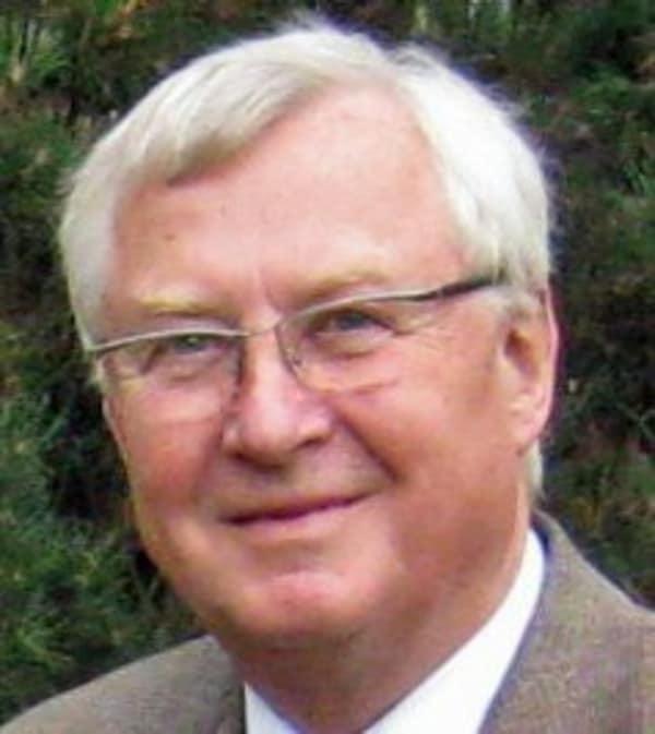 Dr. Edgar Spreer