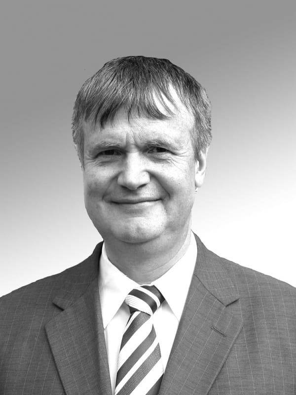 Dr. Ulrich Busch