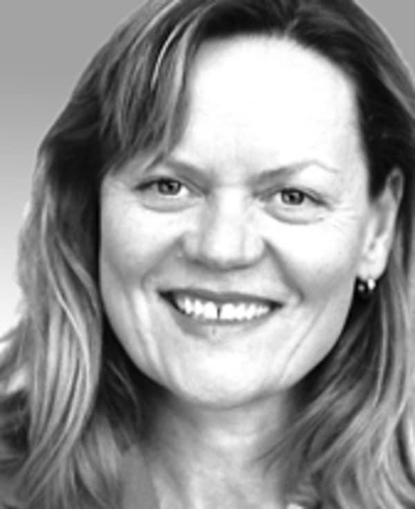 Dr. Iris Steinbach