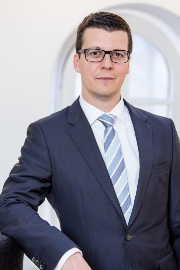Dr. Christian Triebe