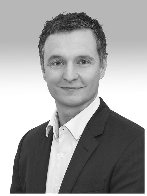 Dr. Erik Becker