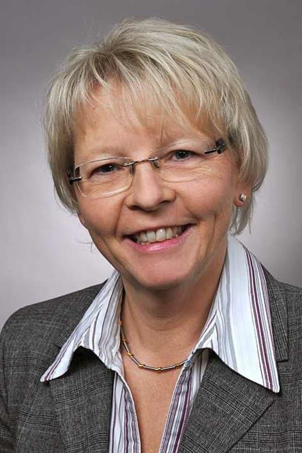 Dr. Bettina Mach