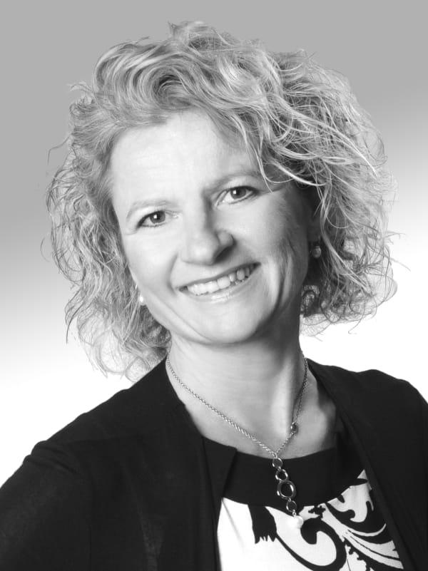 Dr. Bettina Dörr