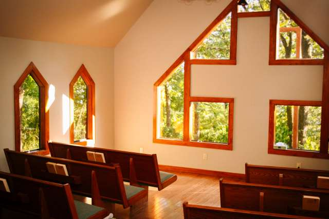 Bluffs%2Ffamilycamp-facilities-chapel-interior-wide.jpg