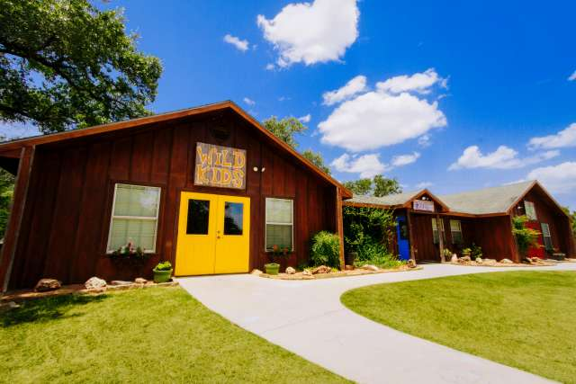 CrierCreek%2Ffamilycamp-criercreek-facilities-creekkids-exterior-wide.jpg