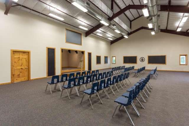 Outback%2FOvernightCamp-Outback-Facilities-MeetingRoom-Interior