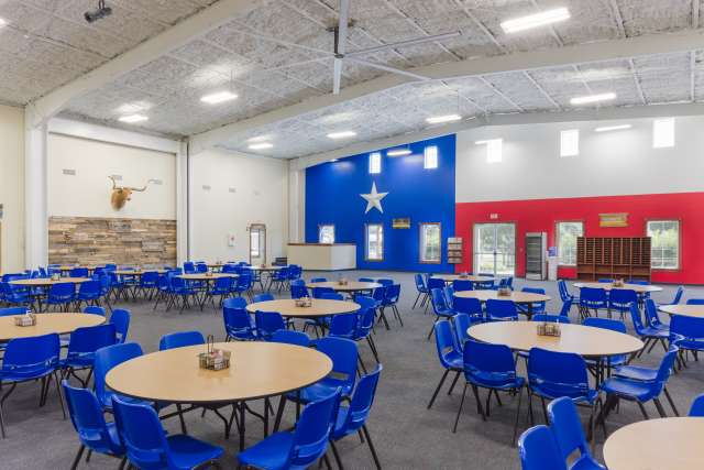 Silverado%2FOvernightCamp-Silverado-Facilities-DiningHall-Interior-Flag