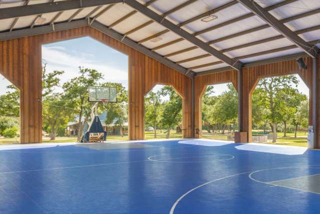 Silverado%2FOvernightCamp-Silverado-Facilities-SportCourt-Interior-Tall