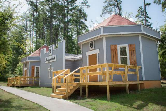towers-cabin-exterior_pgjcwv.jpg