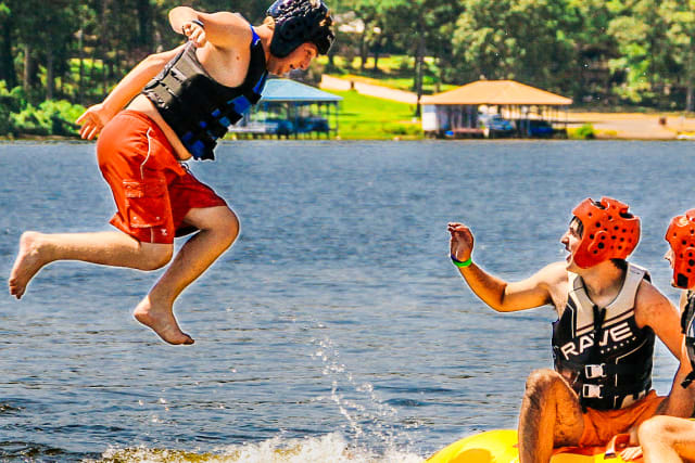 Bluffs%2Ffamilycamp-activities-lakefun-staff-tall.jpg
