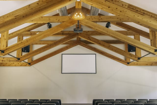 Spacious meeting room with exposed beams