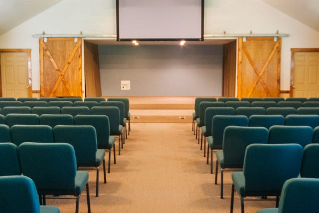 CrierCreek%2Ffamilycamp-criercreek-facilities-meetingroom-interior-tall.jpg