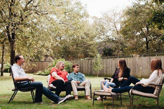 blog%2FCampQuarantino-Story-2020-Bluffs-Shores-FamilyPortrait-Backyard-9