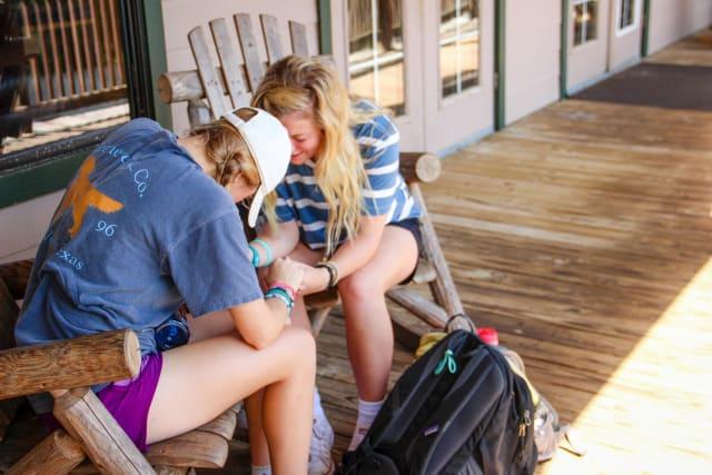 Shores hangtime girls praying