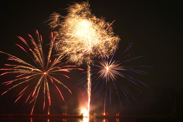 ranch-fireworks-4thofjuly-13R05-5-643_xhqmmc.jpg