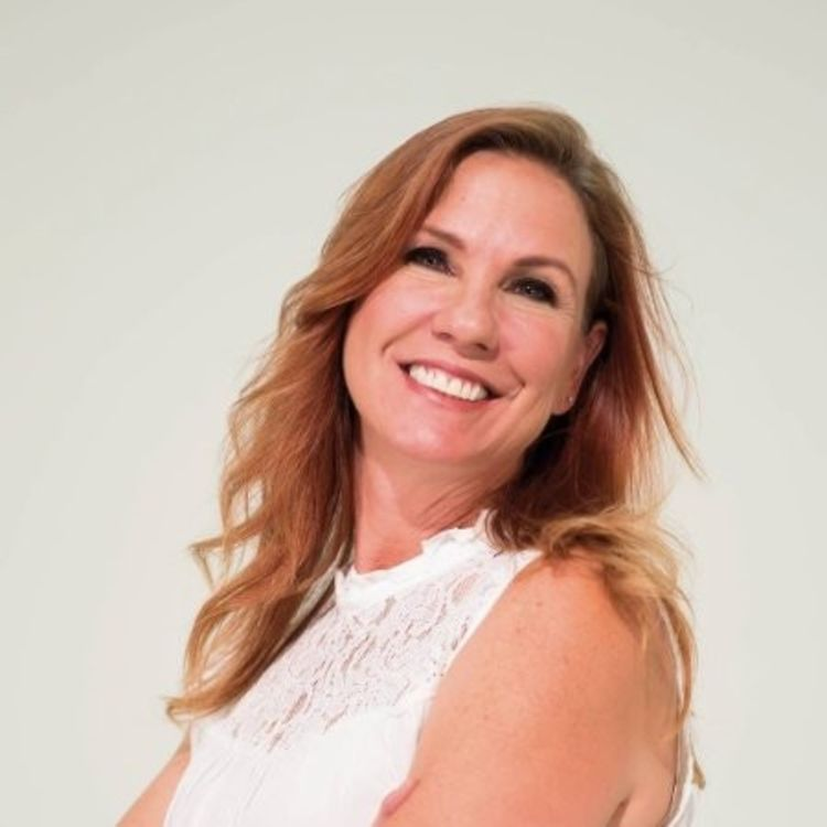 cover art for Episode 009 - No Labels, No Limits with Bobbi Albano, Real Estate Broker
