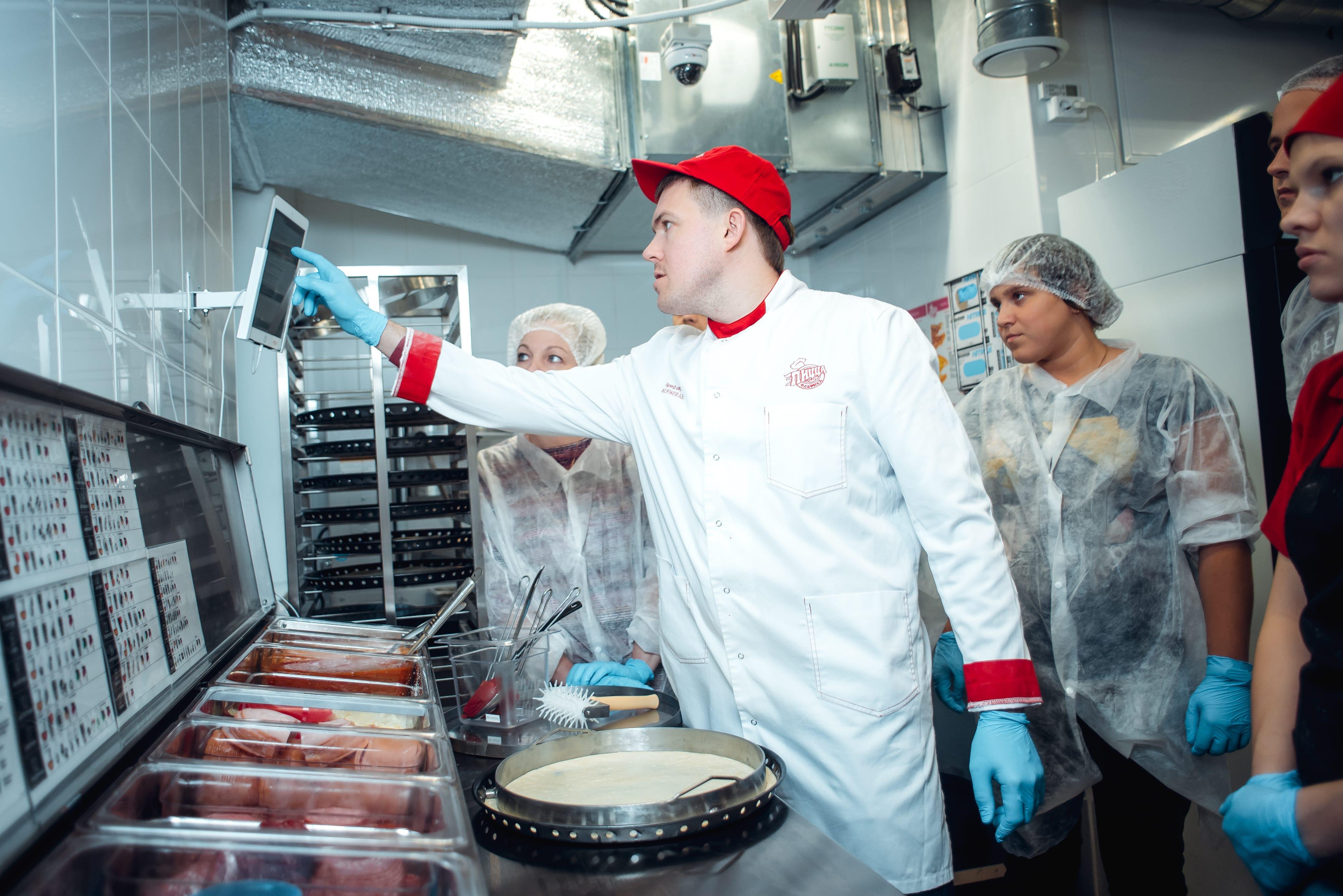 Кухня ПиццаФабрики в Вологде