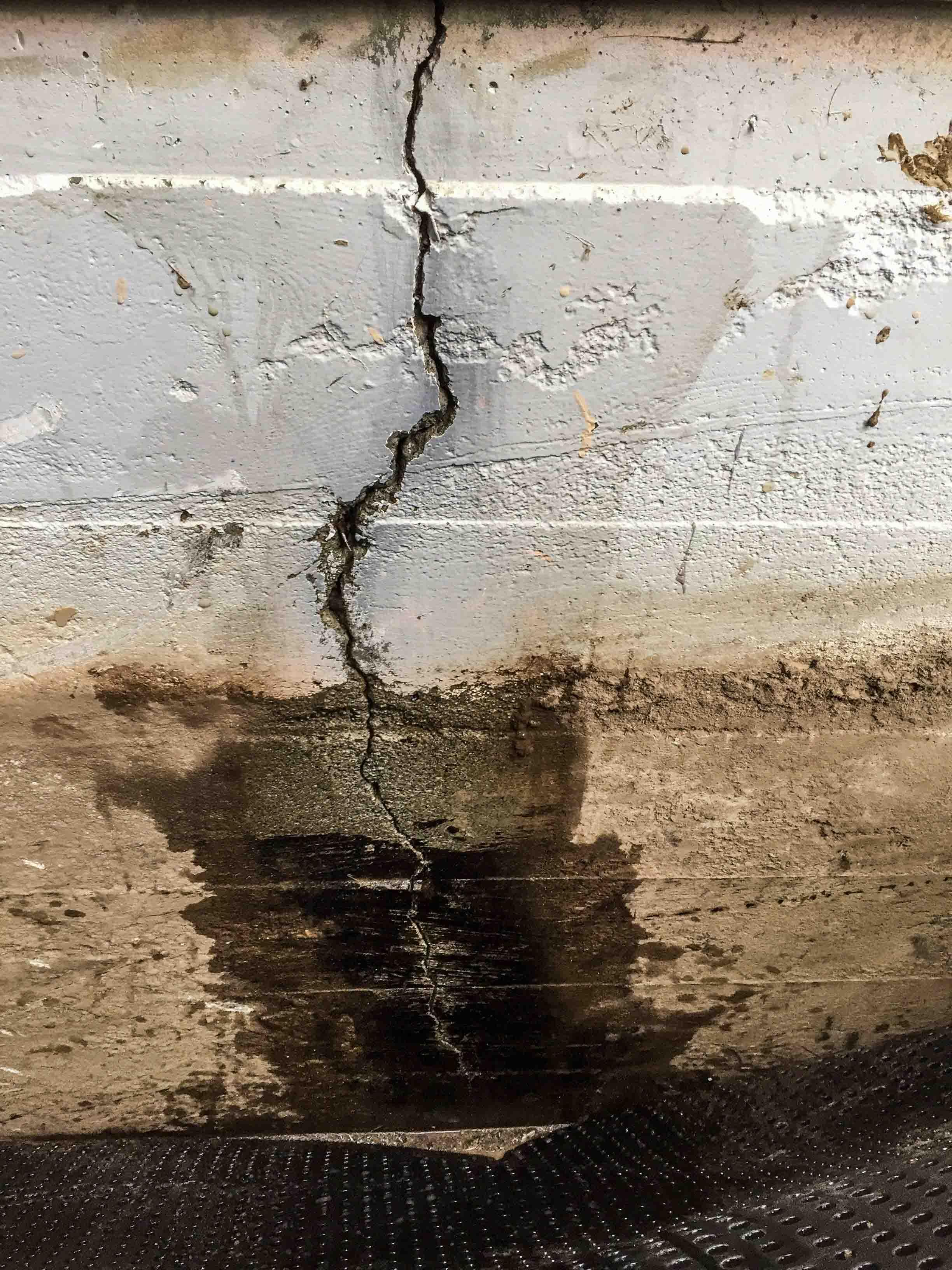 Exterior Waterproofing Wall Crack
