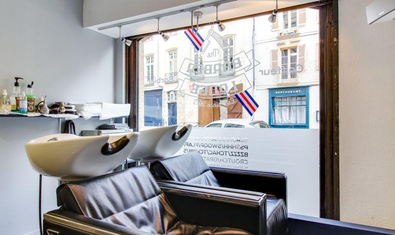 The Barber Lodge rue Nantaise