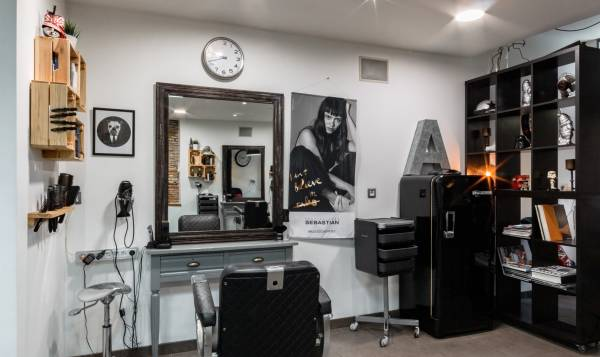 L'atelier Hairdresser's Workshop