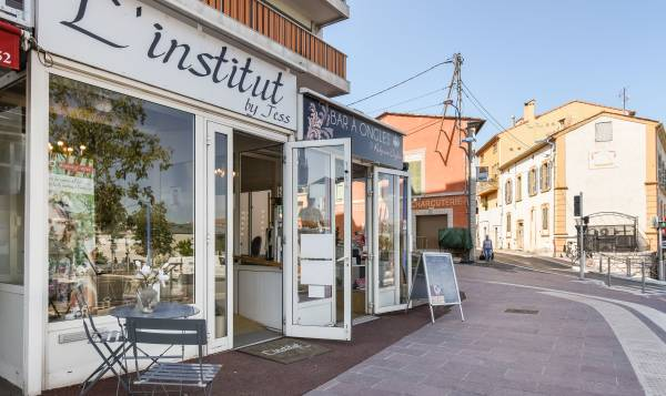 L'institut by Jess