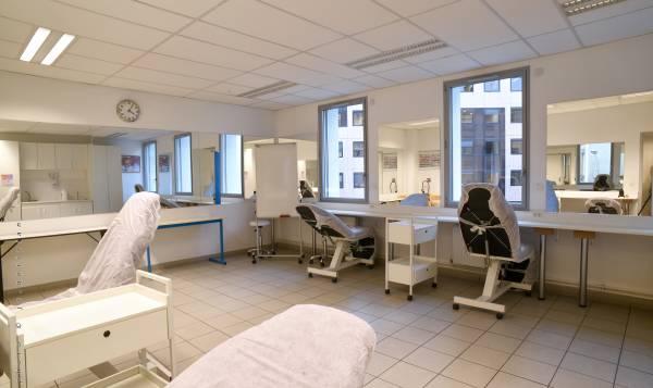 Silvya Terrade - Lyon - Centre d'application de l'École Privée d'Esthétique et de Coiffure Silvya Terrade