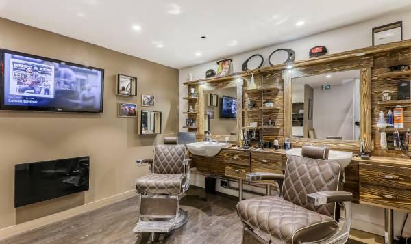 Barber King Corner - Voltaire