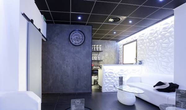 W Barber Lounge