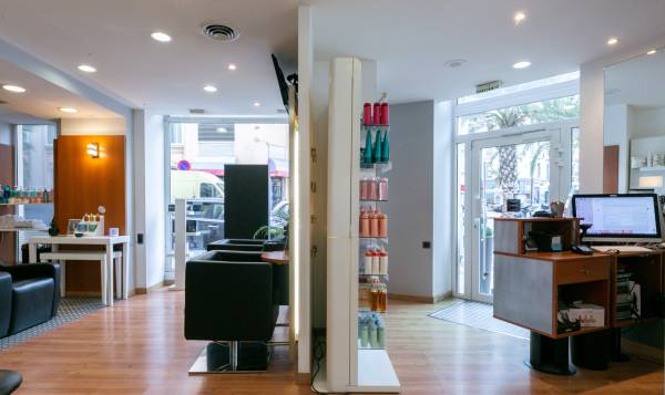 Le Salon Hair & Style