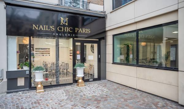 Nail's chic Paris