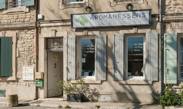 AROMANESSENS Institut de Beauté
