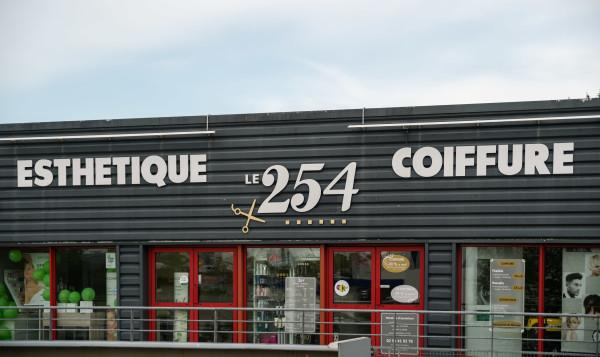 Le 254 Coiffure & Esthétique