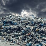 Can the global plastic waste…