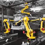 Coraz więcej robotów i obrabiarek…