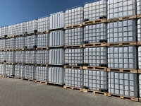 Used 1000l tanks, pallet