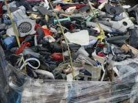 Plastic mix waste (car