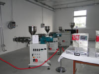 Laboratory extruder for