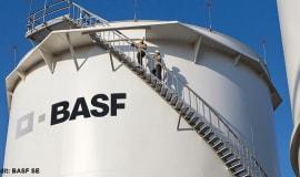 BASF-Lichtschutzmittel schützen Ölsperren vor Degradierung durch Sonnenlicht