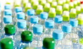 Европа сталкивается с трудностями в рециклинге пластиковых бутылок