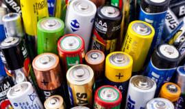 KE zatwierdziła 3,2 mld euro wsparcia na rozwój baterii w UE