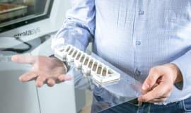 Druk 3D i obróbka CNC - porównanie technologii w produkcji oprzyrządowania