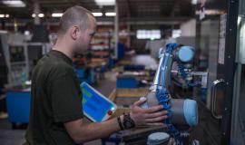 Roboty współpracujące - potencjał automatyzacji w przetwórstwie tworzyw sztucznych