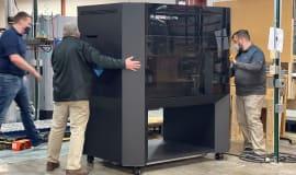 Jak fabryka sprzętu AGD wykorzystuje wielkoformatową drukarkę 3D Stratasys F770