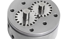 High-speed pumps master complex PUR applications
