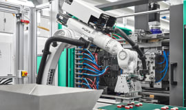 Allrounder Cube 1800: Kompakte Würfelmaschine rundet Arburg-Programm ab