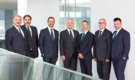 Seven sales regions for shorter decision-making processes