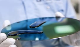 Workaround, Albis Plastic und BASF optimieren smarten Handschuh für die Industrie