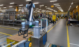 In Unilever factory in Katowice, cobots speed up palletizing process