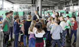 """Fridays-for-future-Kids"" zu Gast bei Arburg"